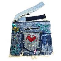 กระเป๋ายีนส์ สะพายข้าง 10 x 13 นิ้ว รูปหัวใจ 4