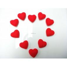 ตุ๊กตาตกแต่งรูปหัวใจผ้าสักหลาดสีแดง
