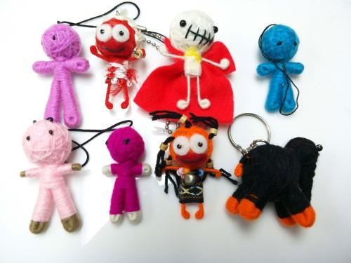 พวงกุญแจตุ๊กตาถักไหมพรม คละแบบคละสี 04